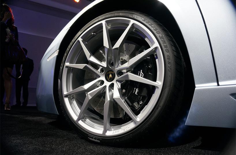 Lamborghini Aventador -s-2017