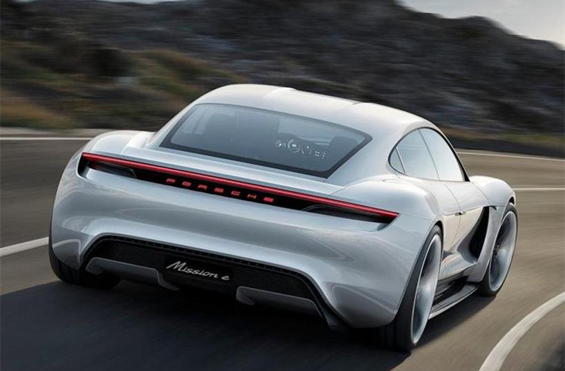 Après l'hybride, Porsche passe à l'électrique avec la mission E