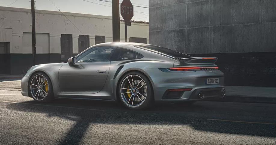 Lutte contre le coronavirus, Porsche met la dernière 911 génération 991 aux enchères