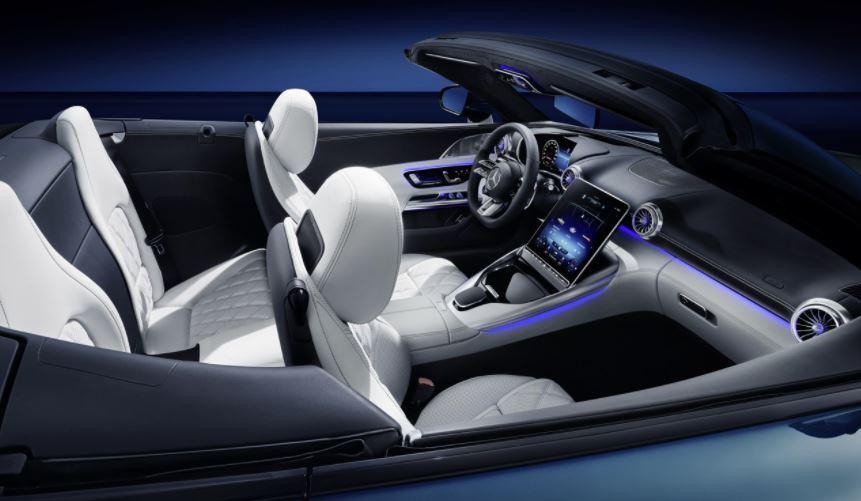 Découvrez l'habitacle du futur Mercedes SL